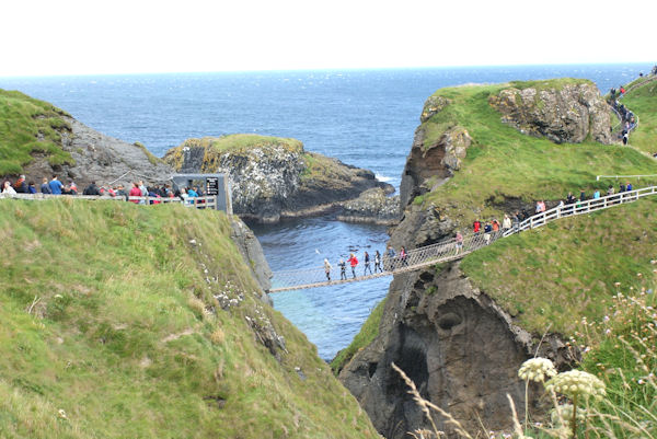 Carrick - A - Rede Rope Bridge